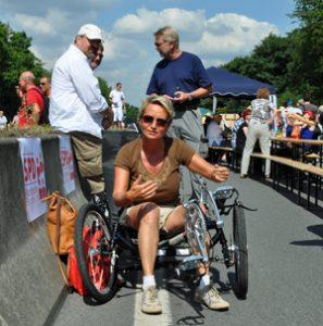 Martina Schmück-Glock testet Elektro-Dreirad