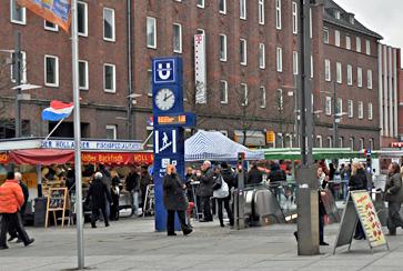Wochenmarkt auf dem Rathausplatz Bochum