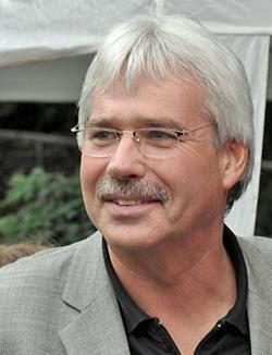 Dr. Peter Reinirkens (SPD) ist Vorsitzender des Ausschusses für Bildung und Wissenschaften in Bochum.