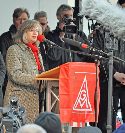 Bochums Oberbürgermeisterin Ottilie Scholz (SPD) forderte, Arbeitsplätze in der Industrie zu erhalten.