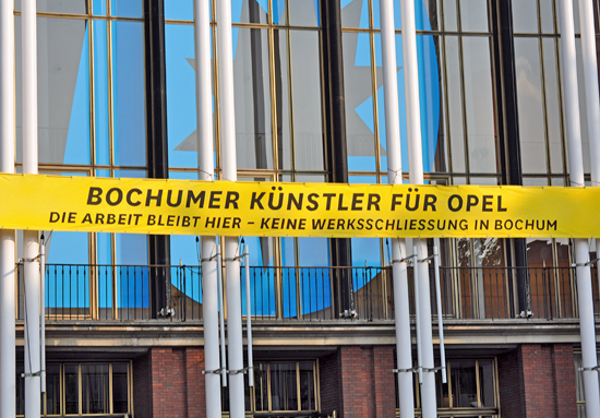 Bochumer Künstler für Opel: Wenige Tage vor der nächsten Opel-Aufsichtsratssitzung macht sich Bochum für den Erhalt des Standortes stark.