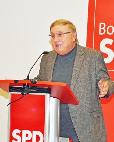 SPD-Fraktionsvorsitzender Dieter Fleskes am Montagabend beim Parteitag der Bochumer SPD.