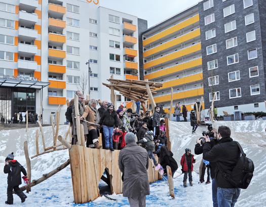 Gabriela Schäfer hat den Spielplatz am Hustadttor heute offiziell eröffnet.