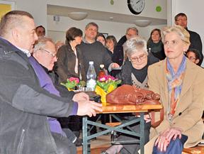 Die Kindertagesstätte am Dorneburger Mühlenbach (Brünselstraße) wurde heute offiziell  eingeweiht. Mit dabei: das Riemker Ratsmitglied Gabriele Schuh (re.).