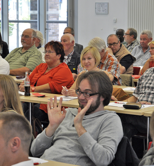 """Bastian Hartmann ist neu gewähltes Ratsmitglied. Der Wiemelhausener war Mitglied der Arbeitsgruppe """"Wirtschaft, Stadtentwicklung und Mobilität"""" und hat den Koalitionsvertrag mit ausgehandelt. Insgesamt gab es vier Arbeitsgruppen."""