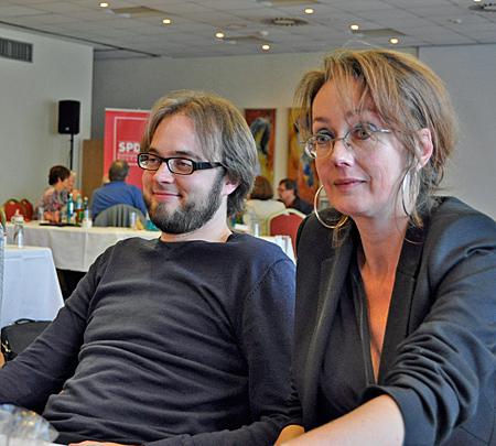 """Bastian Hartmann (Wiemelhausen) und Simone Gottschlich (Altenbochum) sind neu im Rat. Bei der Klausurtagung nahmen sie am Workshop """"Wirtschaft, Planung, Mobilität"""" teil."""