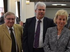 Im Bild (v.l.): Dieter Fleskes, Dr. Peter Reinirkens, Martina Schnell