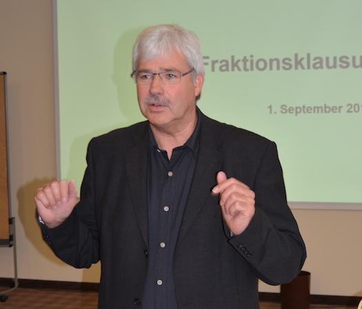 Die Sommerpause ist zu Ende: Heute Nachmittag trifft sich die SPD-Fraktion zur Klausur. Im Bild: Fraktionsvorsitzender Peter Reinirkens.