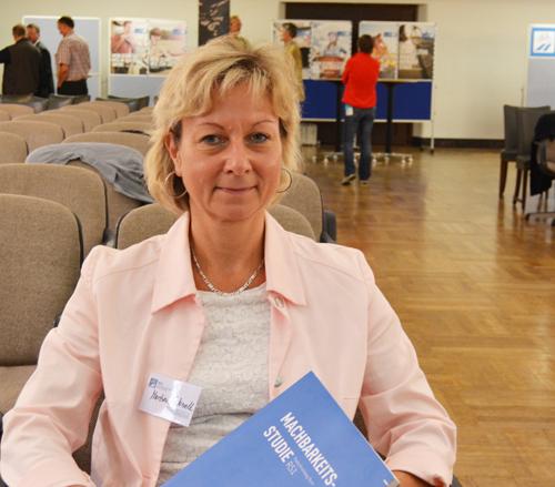 SPD-Ratsmitglied Martina Schnell beim Workshop zum Radschnellweg Ruhr (RS 1) am Freitag (12. September 2014) in Bochum.