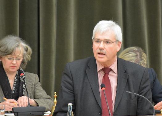 """SPD-Fraktionsvorsitzender Dr. Peter Reinirkens am heutigen Donnerstag (22. Januar 2015) im Rat: """"Der Etat 2015 garantiert eine solide Weiterentwicklung Bochums""""."""