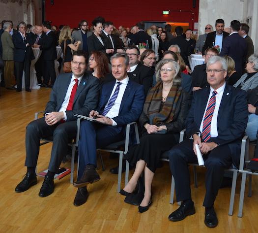 Jahresempfang (v.l.): Thomas Eiskirch, Vorsitzender der SPD Bochum, Frank Baranowksi, Oberbürgermeister von Gelsenkirchen, Ottilie Scholz, Oberbürgermeisterin von Bochum, und Peter Reinirkens, Vorsitzender der SPD-Ratsfraktion Bochum.