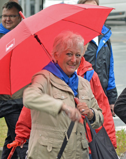 SPD-Ratsmitglied Christina Knappe am Samstag (25. April 2015) beim Maibendfest.