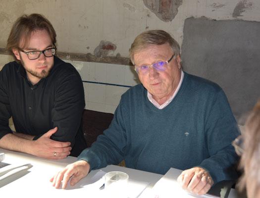 Bastian Hartmann (li.) und Dieter Fleskes beschäftigten sich in ihrer Arbeitsgruppe mit dem Wohnungsbau in Bochum.