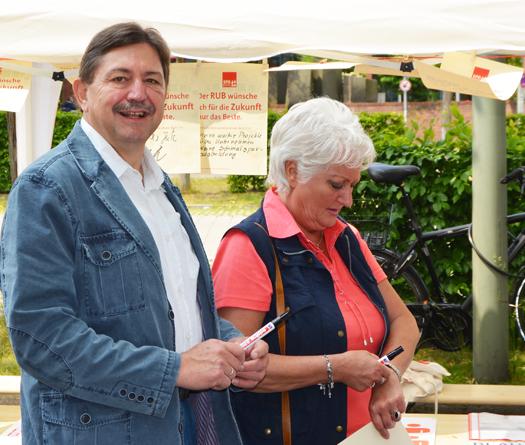 Klaus Hemmerling, Sprecher im Ausschuss für Umwelt, Sicherheit und Ordnung, sowie Ratsmitglied Christina Knappe
