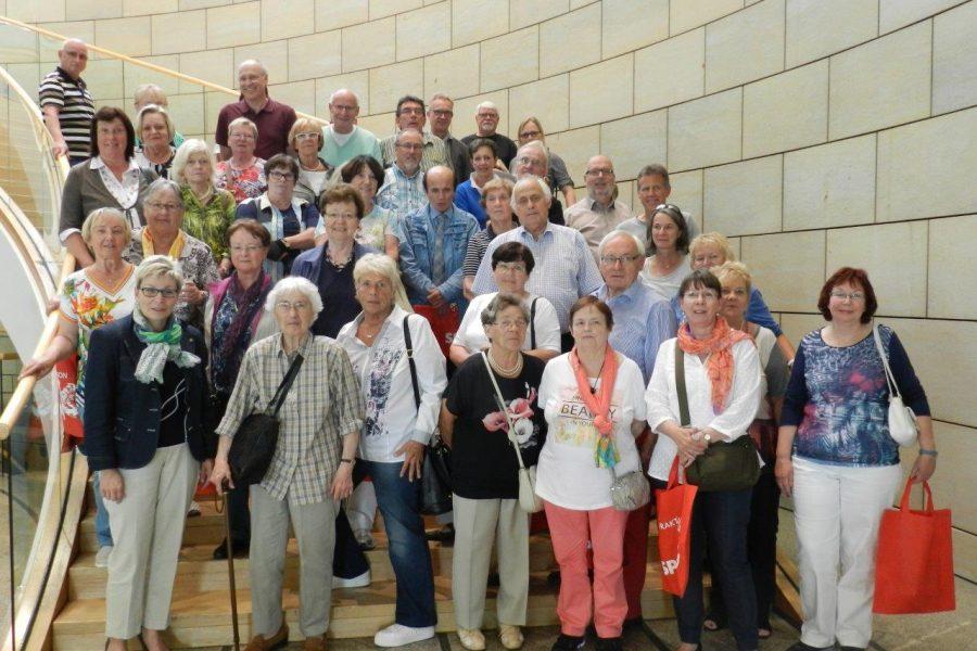 Aral-Pensionäre aus Bochum zu Besuch im Landtag von Nordrhein-Westfalen