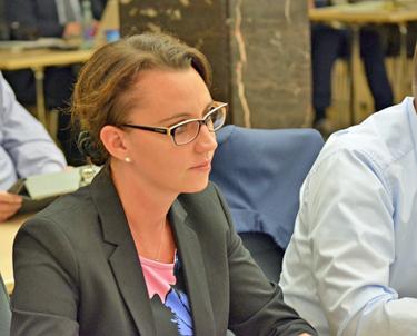 Bochum: Die Stadt Bochum wird eine umfassende eGovernment-Strategie erarbeiten. Das hat der Rat der Stadt am heutigen Donnerstag (30. Juni 2016) beschlossen. Für die SPD-Fraktion begründete Deborah Steffens, Mitglied im Ausschuss für Strukturentwicklung, einen entsprechenden Antrag der rot-grünen Koalition.