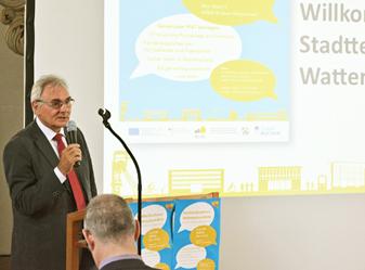 Bochum: Bezirksbürgermeister Manfred Molszich eröffnete am Montag (4. Juli 2016) die Stadtteilkonferenz in der Alten Kirche in Wattenscheid.