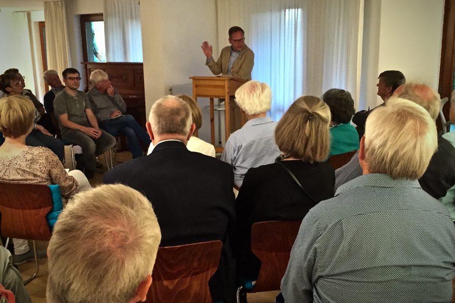 Karsten Rudolph (SPD Bochum) beim Diskussionsabend des Vereins Kunst und Kommunikation
