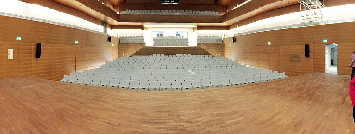 SPD-Ratsfraktion Bochum / Blick von der Bühne in den großen Saal des Musikforums. Der Betriebsausschuss für die Eigenbetriebe besichtigte am Dienstag (20. September) das Musikforum, das in wenigen Wochen eröffnet werden soll. (c) SPD-Ratsfraktion Bochum, 2016