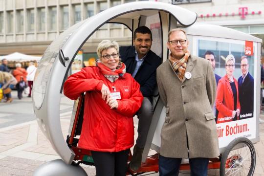 Die Drei für Bochum Carina Gödecke, Serdar Yüksel und Karsten Rudolph mit dem E-Bike #ltwnrw #NRWwahlBO