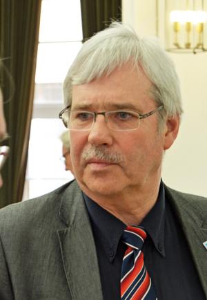 Dr. Peter Reinirkens