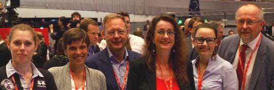 Svenja Ludwig (SPD-Bezirksvertreterin), Caroline Ströttchen, Karsten Rudolph (Vorsitzender der SPD Bochum und Mitglied des Landtages NRW), Simone Gottschlich (SPD-Ratsmitglied), Michelle Müntefering (Mitglied des Bundestages) und Axel Schäfer (Mitglied des Bundestages)
