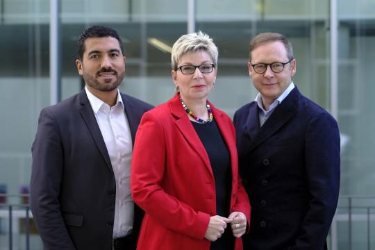 Die drei direkt gewählten Bochumer Landtagsabgeordneten Serdar Yüksel, Carina Gödecke und Karsten Rudolph. #3fuerBO