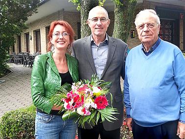 Archivbild (2014): Der neue Vorsitzende der SPD Altenbochum Ulrich Wicking zwischen seiner Vorgängerin Simone Gottschlich und dem frisch gewählten Ehrenvorsitzenden Heinz Hossiep.