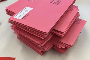 Wahlbriefe der Stadt Bochum (Archivbild von der Oberbürgermeister-Wahl 2015)