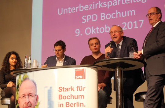 Parteitag SPD Bochum am 09.10.2017 - Diskussonsrunde mit Narin Arslan, Thomas Eiskirch, Christopher Wysotzki, Axel Schäfer und Thorsten Kröger