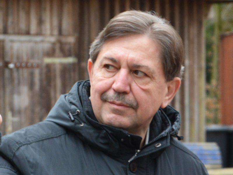 SPD-Ratsmitglied Klaus Hemmerling fordert fünf weitere Hundewiesen für Bochum.