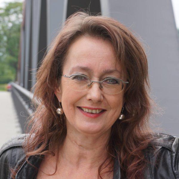 SPD-Ratsfrau Simone Gottschlich setzt sich weiter für den Freigrafendamm ein.