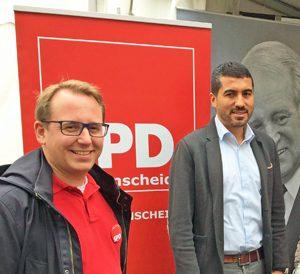 """SPD-Ratsfraktion Bochum: Ratsmitglied Burkart Jentsch (li.) und der Landtagsabgeordnete Serdar Yüksel bei """"WAT 600"""" im Jahr 2017."""