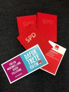 """SPD-Parteibücher, Organisationsstatut und Beitrittserklärung """"Dafür trete ich ein"""" (Mitglied kann man auch online via eintreten.spd.de werden!)"""