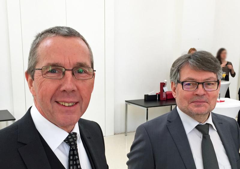 SPD-Ratsfraktion Bochum: der Vorsitzende des Ausschusses für Schule und Bildung Ernst Steinbach (li.) und der Sprecher der SPD im Ausschsus für Sport und Freizeit Peter Herzog am 19. Februar 2018 bei der Verabschiedung von Michael Townsend, der als Dezernent für Schule, Kultur und Sport in den Ruhestand geht.