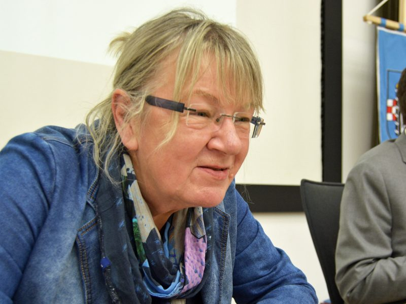 SPD-Ratsfraktion Bochum: Gaby Schäfer (SPD) sieht noch Nachfrage nach bestimmten Angeboten der Altenpflege in Bochum, Servicewohnen zum Beispiel.