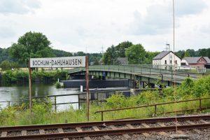 Die Pontonbrücke ist seit einem Jahr geschlossen. Im Frühling sollen aber wieder Autos rollen.