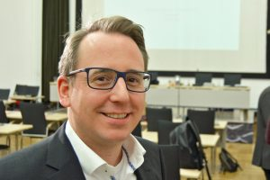 Burkart Jentsch ist Mitglied im Ausschuss für Sport und Freizeit. Er setzt sich dafür ein, dass das Lohrheidestadion zentraler Standort für Leichtathletik-Veranstaltungen in NRW wird.