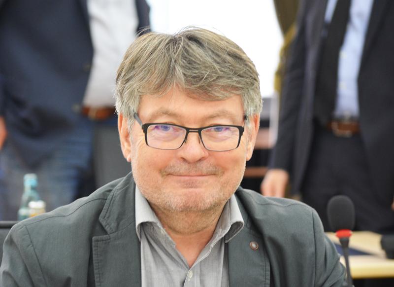"""SPD-Ratsfraktion Bochum: Peter Herzog / """"Pragmatische Lösung für die Turnhalle Höntroper Straße gefunden"""""""
