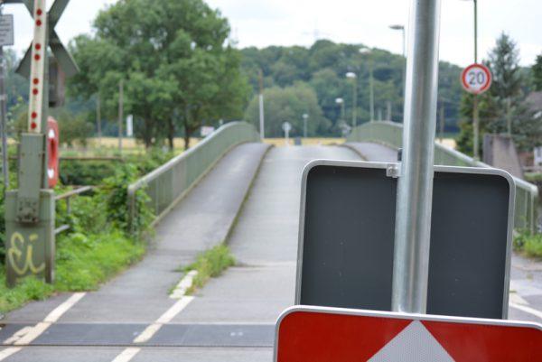 SPD-Ratsfraktion Bochum: Die gesperrte Pontonbrücke Dahlhausen im Juli 2017.