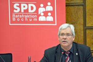 SPD-Ratsfraktion Bochum: Der Vorsitzende der SPD im Rat der Stadt Bochum Dr. Peter Reinirkens fürchtet, dass die Landesregierung aus CDU und FDP womöglich das Interesse an der Internationalen Gartenausstellung IGA Ruhr 2027 verloren hat.