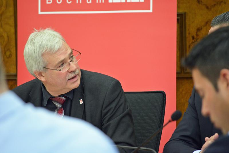 Dr. Peter Reinirkens ist Vorsitzender der SPD im Rat der Stadt Bochum.