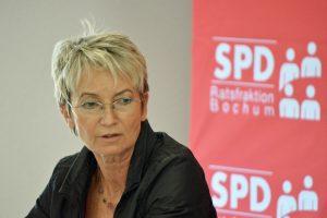 SPD-Ratsfrau Martina Schmück-Glock wünscht sich, dass in Bochum die gelben Säcke durch Wertstofftonnen ersetzt werden.
