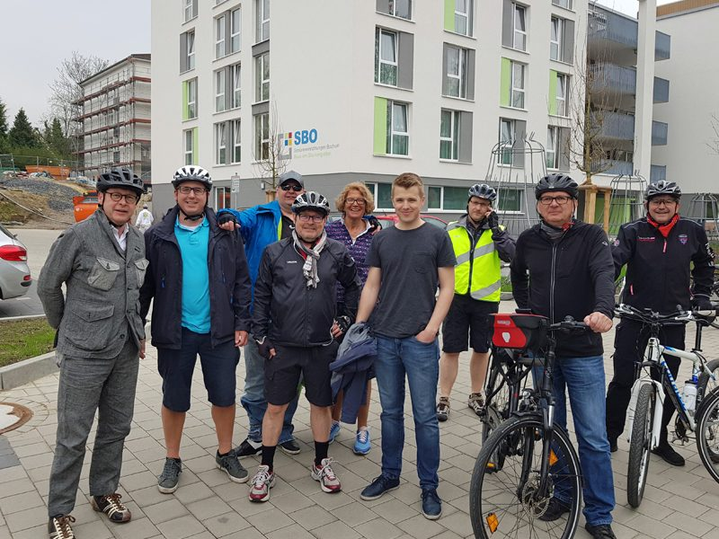 SPD-Fraktion: Bei der Fahrrrad-Exkursion sahen sich die Ratsmitglieder den Neubau der Senioreneinrichtungen in Altenbochum an.
