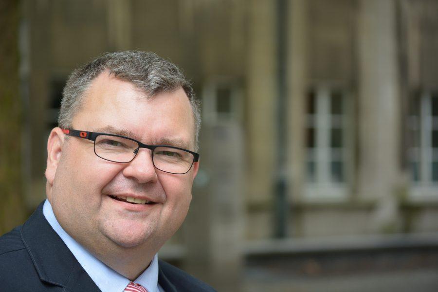 Der Umweltausschussvorsitzende Jörg Czwikla wünscht sich mehr Mülleimer für Bochum.