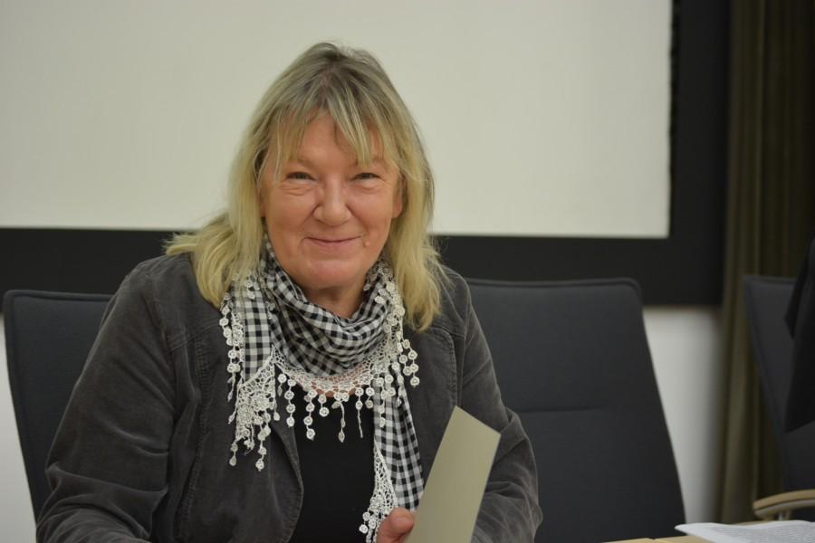 SPD-Ratsmitglied Gaby Schäfer hat den Drehorgelspieler organisiert.