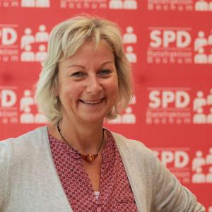 Martina Schnell freut sich, dass die Brücke bald erneuert wird.