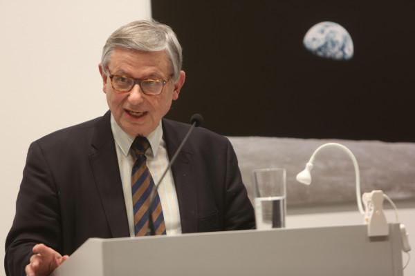 Festveranstaltung zu Ehren von Bernd Faulenbach und Christoph Zöpel: Christoph Zöpel bei seiner Rede