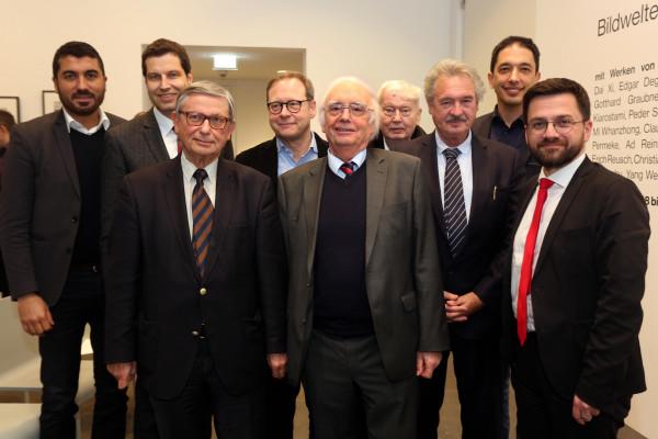 Festveranstaltung zu Ehren von Bernd Faulenbach und Christoph Zöpel: u.a. mit den beiden Jubilaren Christoph Zöpel und Bernd Faulenbach vorne in der Mitte
