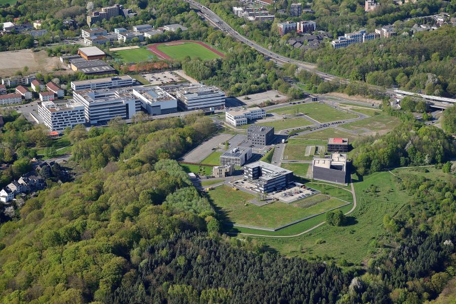 Die Luftaufnahme vom 19.04.2018 zeigt den Gesundheitscampus in Bochum. +++ Foto: Lutz Leitmann / Stadt Bochum